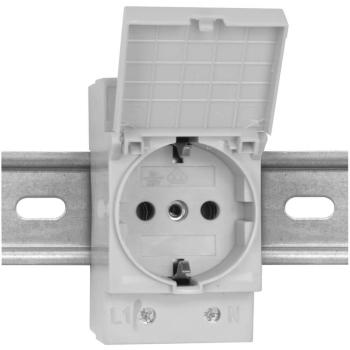 Schaltschrank-Steckdose mit Klappdeckel für...
